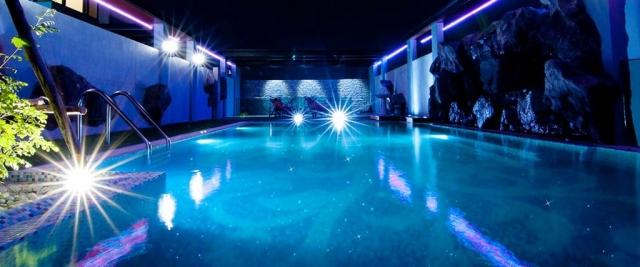 ไฟดาว Fiber Optic สระว่ายน้ำ